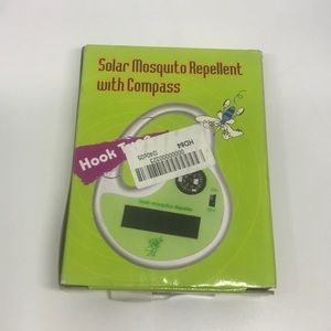 Solar Mosquito Repellant With Carbiner Hook